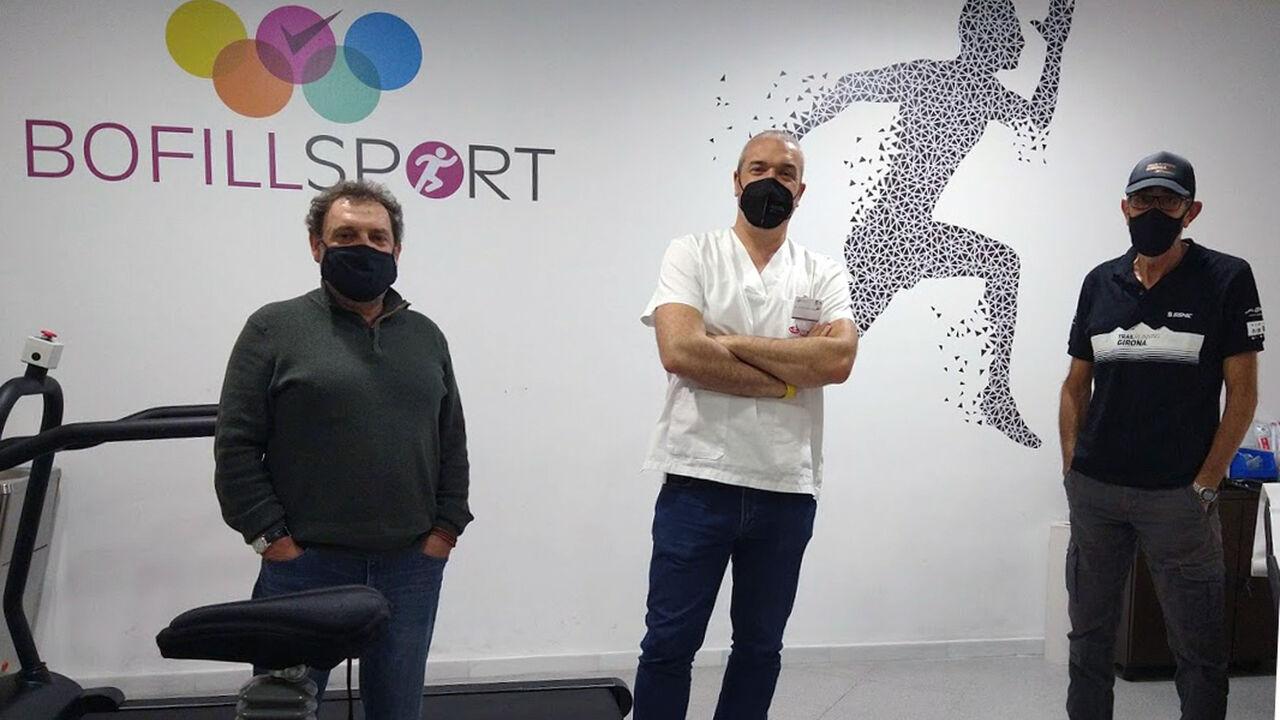 Pere Navarro, president Club Esquí Girona amb el Dr. Dani Castillo i en Francesc Tobias, president del Club Trail Running